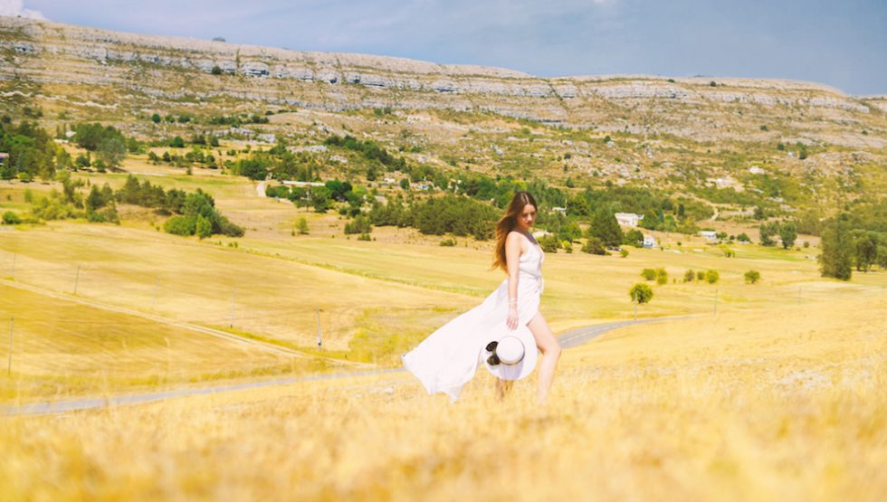SUMMER WHITE DRESS FOR A DAY IN PROVENCE