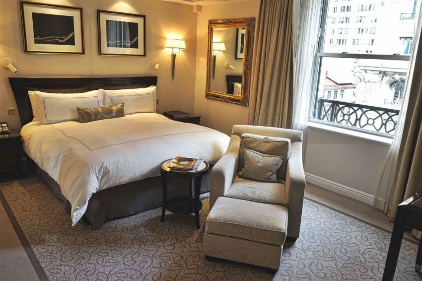 THE PENINSULA NEW YORK - Hotel Room