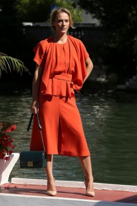 Antonia Lisckova Venice bon ton dress